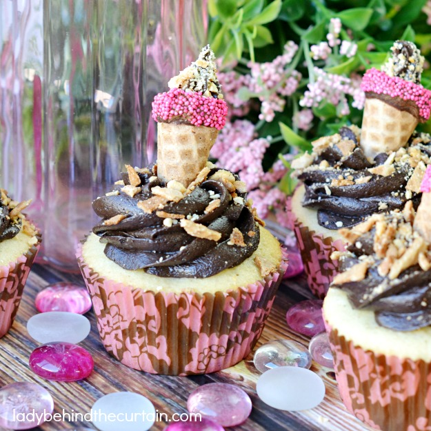 Drumstick Cupcakes - Lady Behind The Curtain