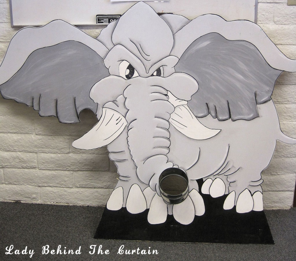 Lady Behind The Curtain - Hungry Elephant