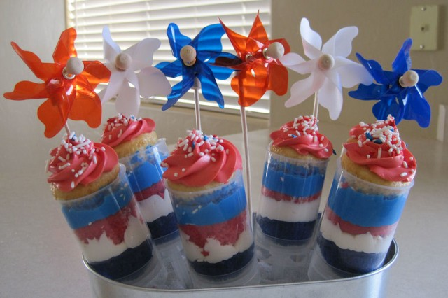 july 4th or memorial day easy cupcake idea
