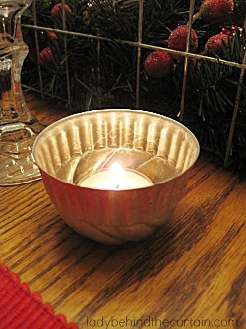 A Simple Christmas Table   I love the simplicity of our Christmas table this year. For the most part I used items I had around the house.
