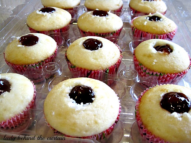Peanut Butter & Jelly Cupcakes - Lady Behind The Curtain
