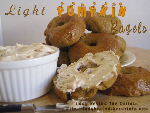 light pumpkin spice bagel
