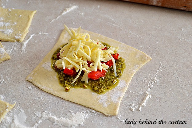 Lady Behind The Curtain - Italian Purse Appetizer