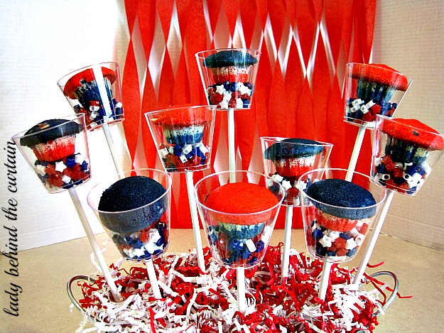 Lady Behind The Curtain - Patriotic Cupcakes