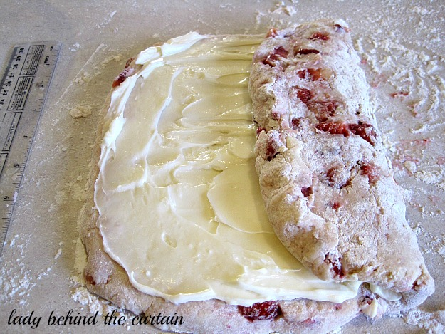 Lady Behind The Curtain - Strawberry Cheesecake Scones 3