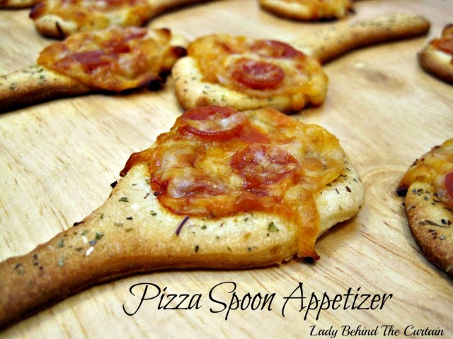 Lady-Behind-The-Curtain-Pizza-Spoon-Appetizer