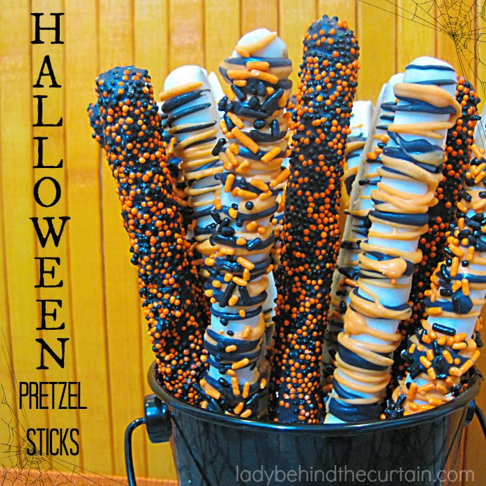 Halloween Pretzel Sticks | The perfect combination of sweet and salty!
