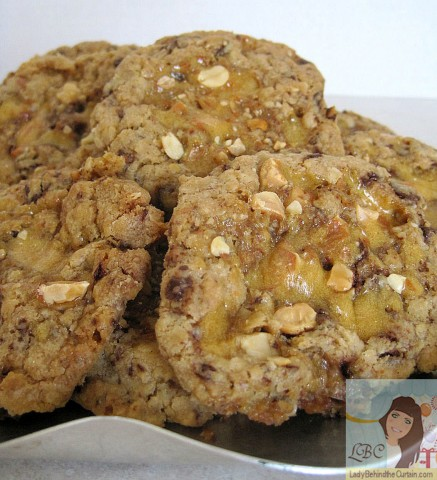 Lady-Behind-The-Curtain-Peanut-Brittle-Cookies
