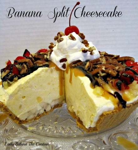 Lady-Behind-The-Curtain-Banana-Split-Cheesecake