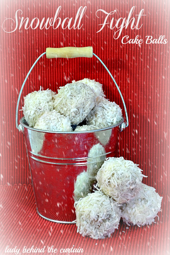 Lady Behind The Curtain - Snowball Fight-Cake Balls