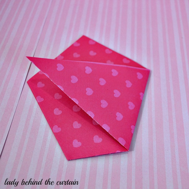 Lady Behind The Curtain - DIY Valentine Pockets