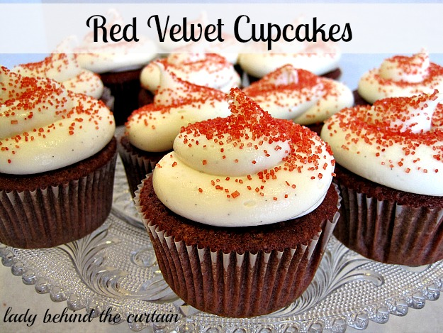 Lady-Behind-The-Curtain-Red-Velvet-Cupcakes