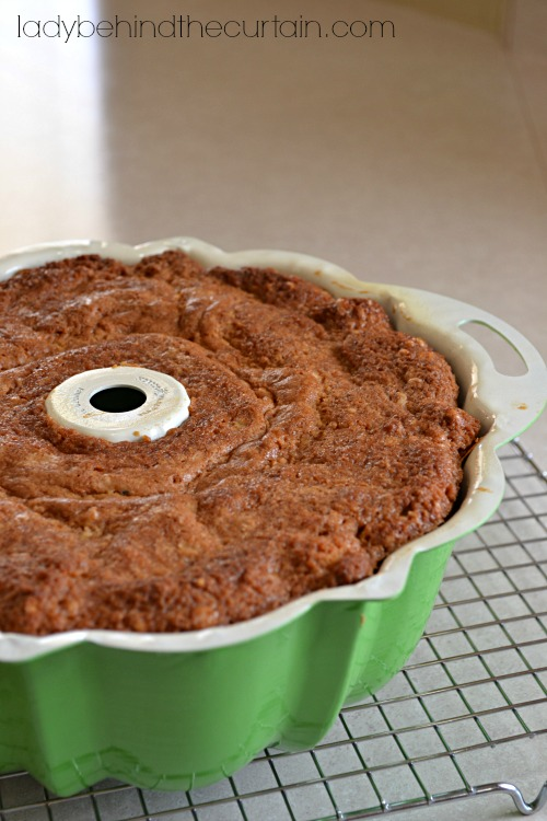 Brown Sugar Pound Cake - Lady Behind The Curtain