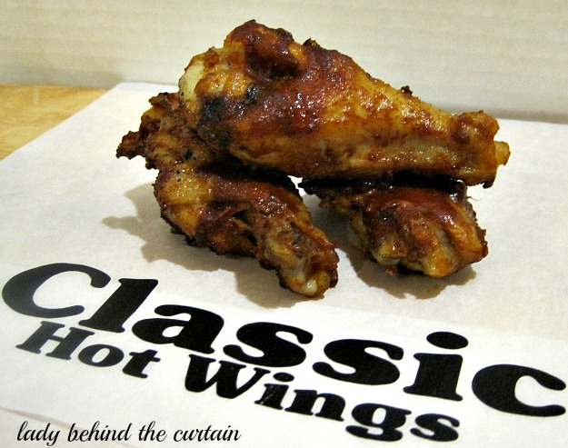 Lady-Behind-The-Curtain-Hot-Wings-3-Ways