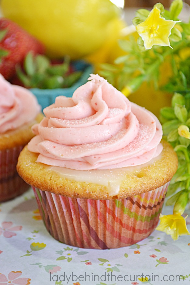 Strawberry Lemonade Cupcakes - Lady Behind The Curtain