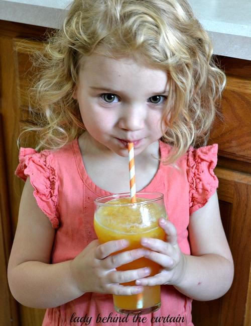 Sparkling Peach Slush Punch - Lady Behind the Curtain