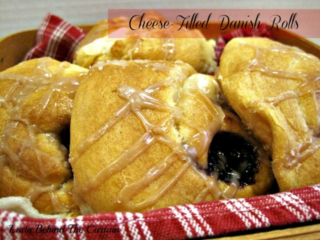 Lady-Behind-The-Curtain-Cheese-Filled-Danish-Rolls-640x480
