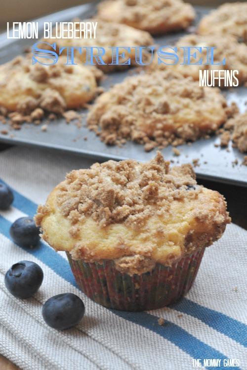 Lemon-Blueberry-Streusel-Muffins-The-Mommy-Games