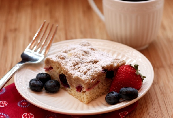 Red-White-Blueberry-Crumb-Cake