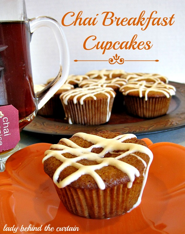 Lady-Behind-The-Curtain-Chai-Breakfast-Cupcakes-2