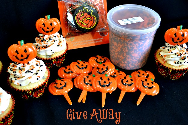 Happy Pumpkin Chocolate Chip Cupcakes - Lady Behind The Curtain