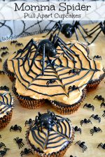 Momma Spider Halloween Pull Apart Cupcakes