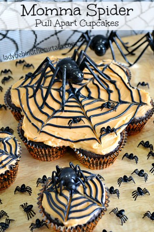 Momma Spider Pull Apart Cupcakes