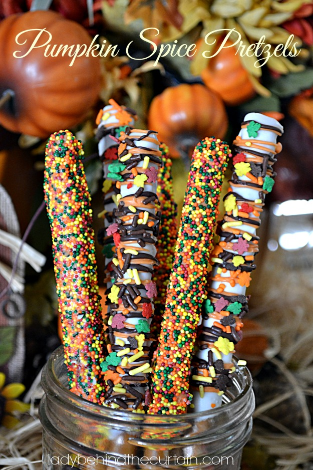 Kid's Thanksgiving Table Pumpkin Spice Pretzels - Lady Behind The Curtain
