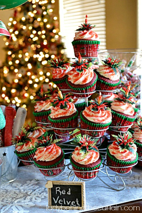 Terrific Christmas Dessert Buffet Lady Behind The Curtain Lady Home Interior And Landscaping Eliaenasavecom