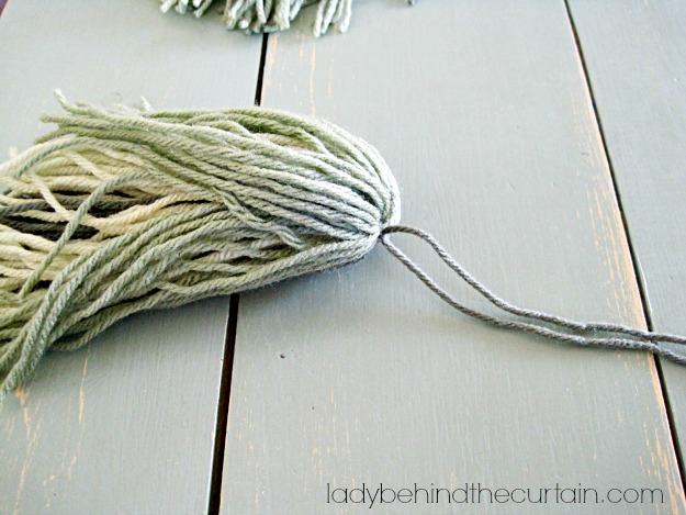 Making Grass from Yarn - Lady Behind The Curtain
