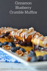 Cinnamon Blueberry Crumble Muffins - Lady Behind The Curtain