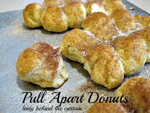 Lady-Behind-The-Curtain-Pull-Apart-Donuts-4