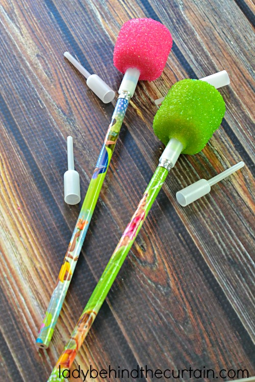 How to Decorate Marshmallow Pops | I'll show you how super easy it is to make these 10 minute treats. Perfect for a kid's party table, birthday party, Easter basket or dessert table. They add that little extra something special to any event or celebration.
