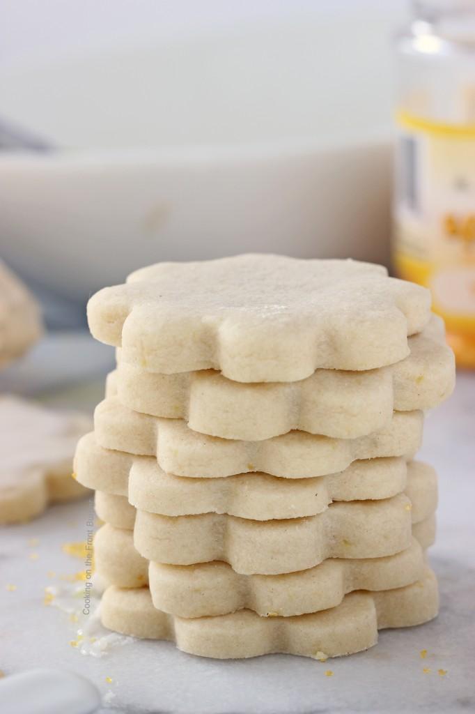 Lemon Shortbread Cookies - Lady Behind the Curtain