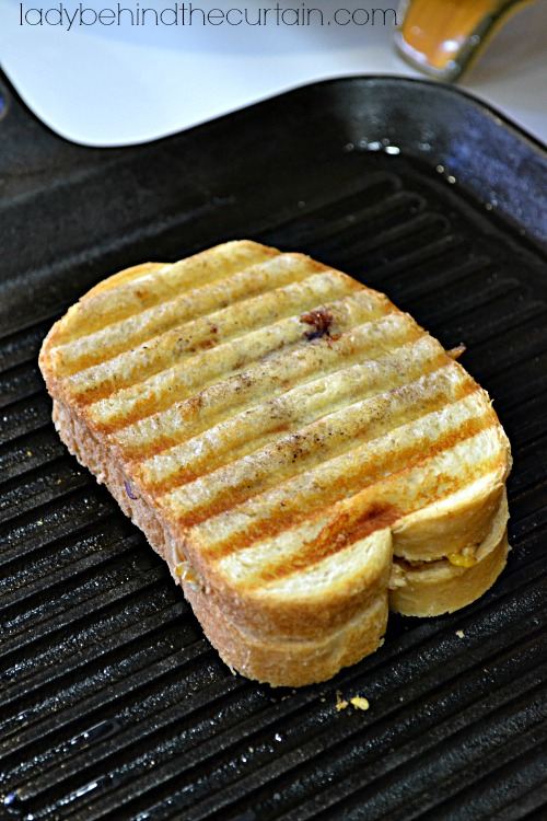 Barbecue Chicken Grilled Cheese Sandwich - Lady Behind The Curtain