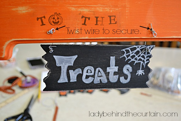 Witch Way To The Treats Sign - Lady Behind The Currtain
