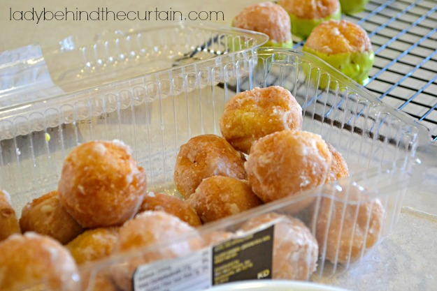 Easy Caramel Apple Donut Pops - Lady behind The Curtain