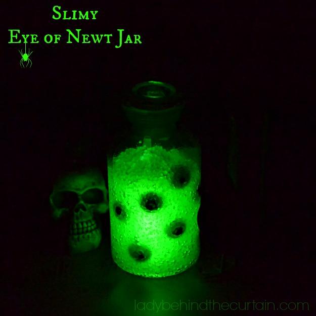 Slimy Eye of Newt Jar - Lady Behind The Curtain