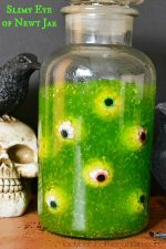 Halloween Slimy Eye of Newt Jar