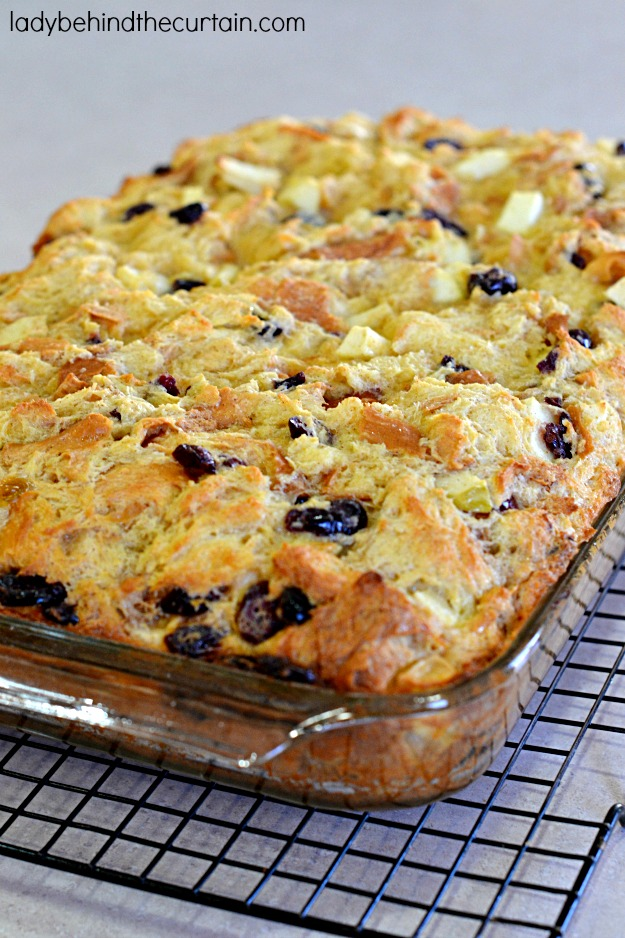 Christmas Bread Pudding - Lady Behind The Curtain