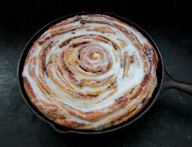 skillet cinnamon roll