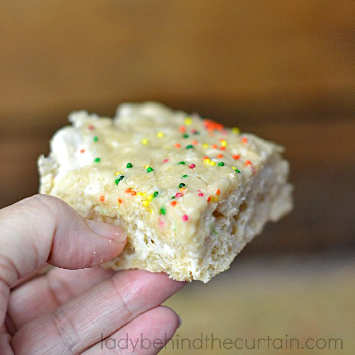 Brown Butter Rice Krispies Treats | A twist on every kids favorite treat.  Crunchy rice cereal with creamy marshmallow all swirled around brown butter.