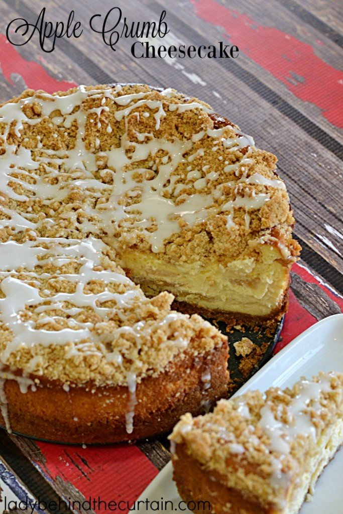 Apple Crumb Cheesecake | If you like apple pie then you are going to love this apple pie cheesecake combo with a crunch cinnamon crumb topping.