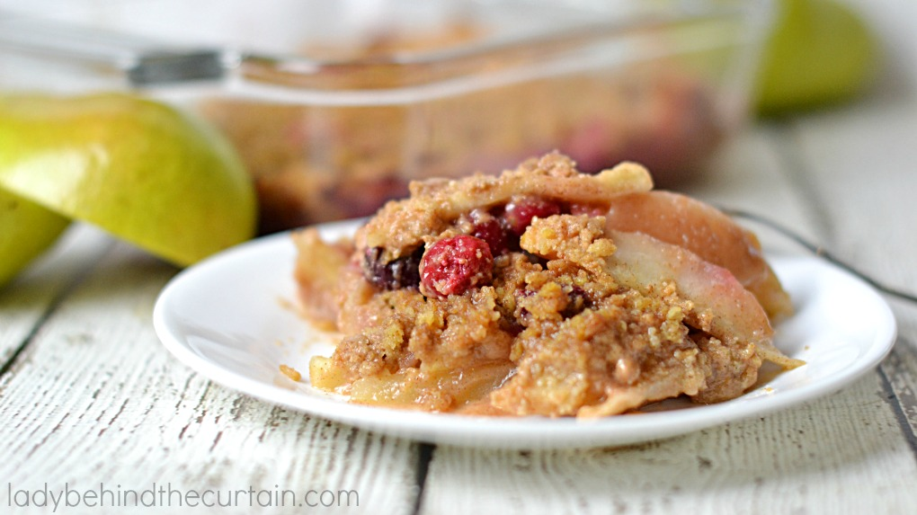 Cinnamon Cranberry Pear Crisp