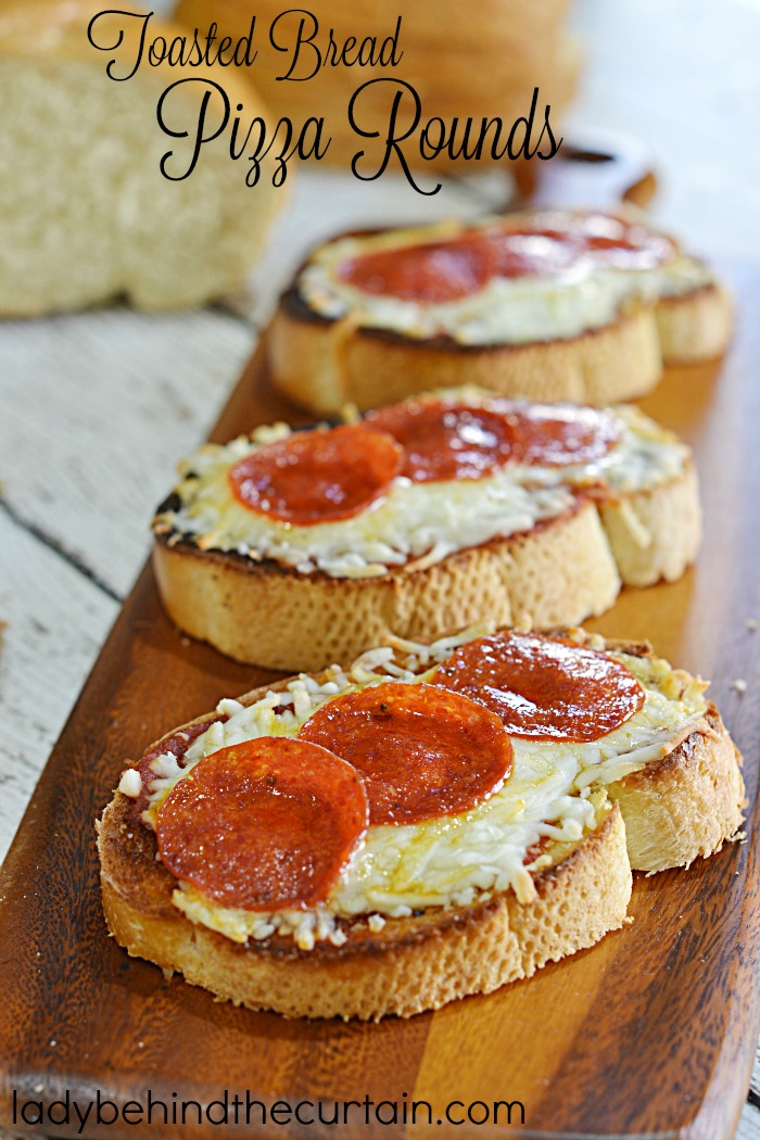 Toasted Bread Pizza Rounds | Serve up these crunchy flavorful appetizers to your hungry game watchers!