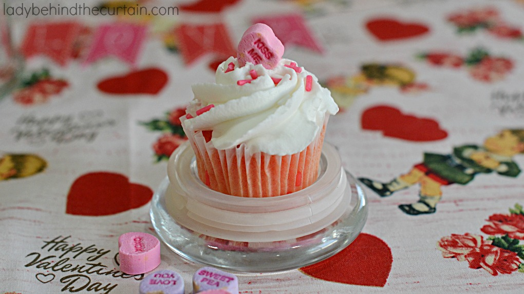 Valentine's Day Cupcake Party Favor