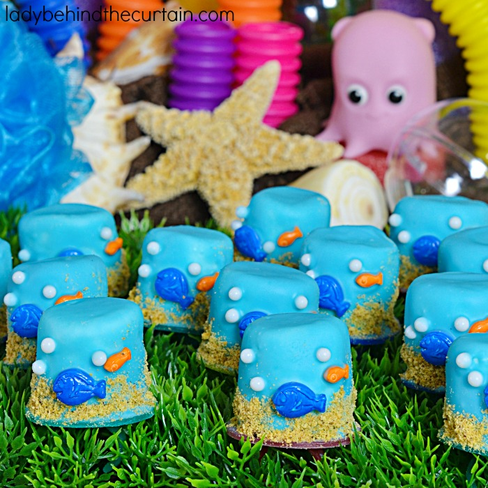 Finding Dory Marshmallow Ring Pops | Recycle your ring pops into marshmallow pops for your kids birthday party!