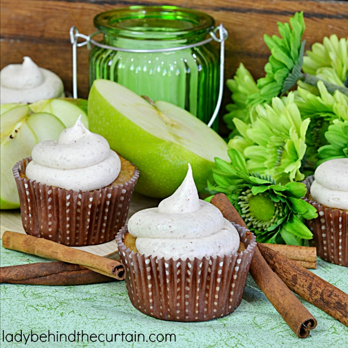 Spiced Apple Cupcakes | Kick off the Fall with the best apple cupcakes ...