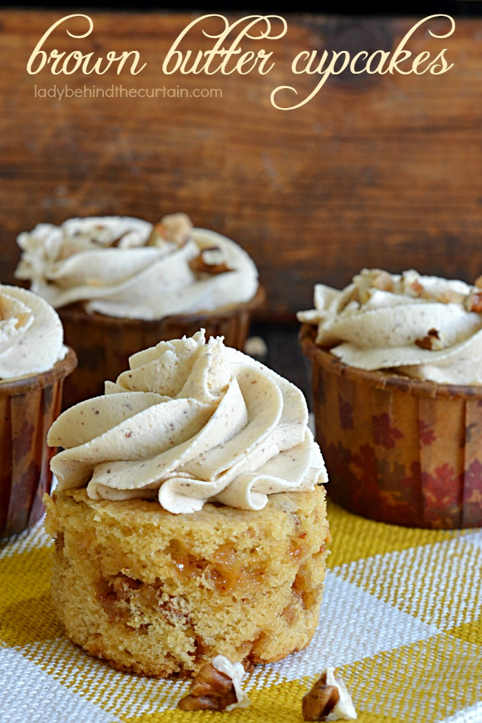 Brown Butter Pecan Cupcakes | These cupcakes are made with delicious nutty caramel brown butter (also known as Beurre noisette).