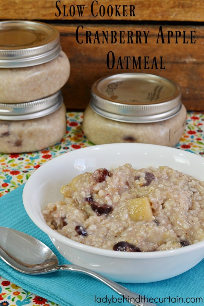 Slow Cooker Cranberry Apple Oatmeal | This creamy good for you breakfast will add fuel to your body and is great for a grab and go breakfast.